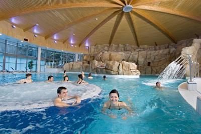 H tel proche de royatonic clermont fd for Hotel clermont ferrand avec piscine